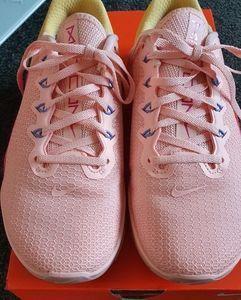 Womens Nike Metcon 5, US 8 UK 5.5